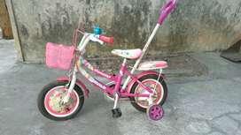 Sepeda anak cewe pink