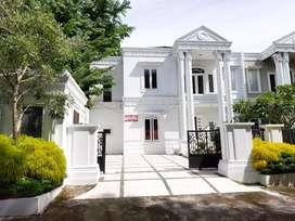 BANTING HARGA !! Rumah Mewah Inti Kota Medan, Jl. Dr. Mansyur III