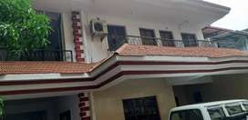 Independent bunglow opp to masjid in chandrawado fatorda