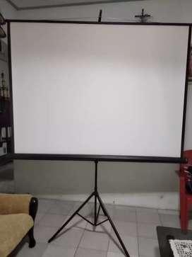 Layar proyektor 180x180 mulus