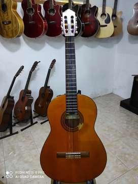 YAMAHA CGX-102 Akustik Elektrik Nylon (Mewah)