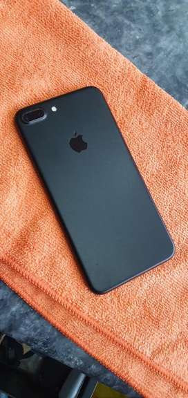 Iphone 7 plus 128GB 10/10 condition