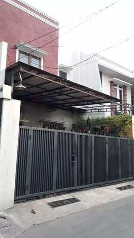 Rumah Mewah dekat Stasiun MRT Jual Cepat