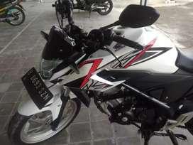 BU.Honda CB150R.Putih.2016.mulus.Mantap.