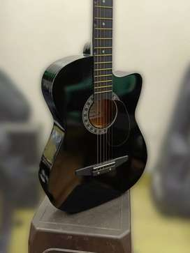 Brand new Acoustic Guitar & online classes combo package for beginners