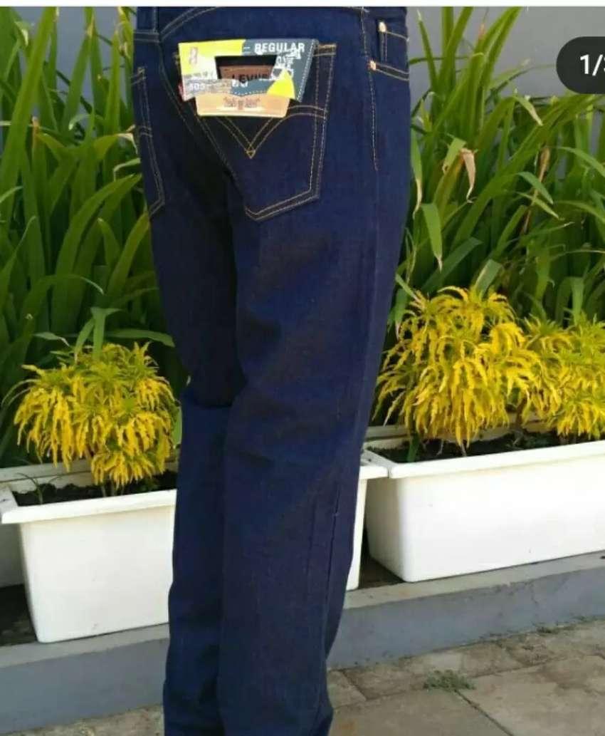 Celana jeans panjang 0