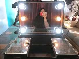 Box makeup roda 4 full mirror dan lampu