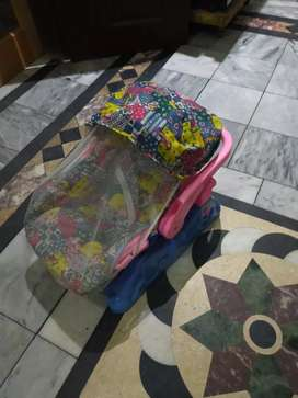 Baby carry cot in a very good condition like new