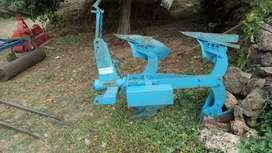 Tractor plav