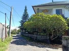 Dijual Villa 2 lantai, luas tanah 800m2, Padang Galak Sanur
