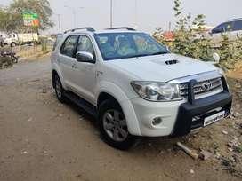 Toyota Fortuner 2010 Diesel 143000 Km Driven