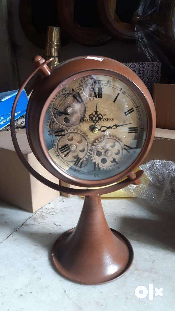 Antique stand clock working 0
