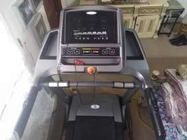 Lions treadmill like new with box 2.5hp autoincline