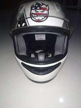 Helm full face kondisi 99%