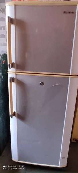 Double door Fridge(Goods once sell can't be replaced or refund)