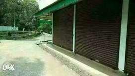 Urgent Sale .4 Rooms 8 1/4 cente Manjapra Anghamaly
