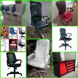 Boss chair Md Table work station