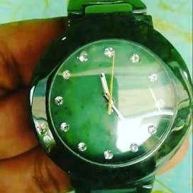 Jam batu tangan giok Aceh