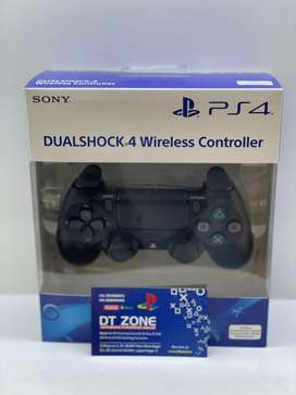 PS4 controller new sealed with bill V2 black + warranty