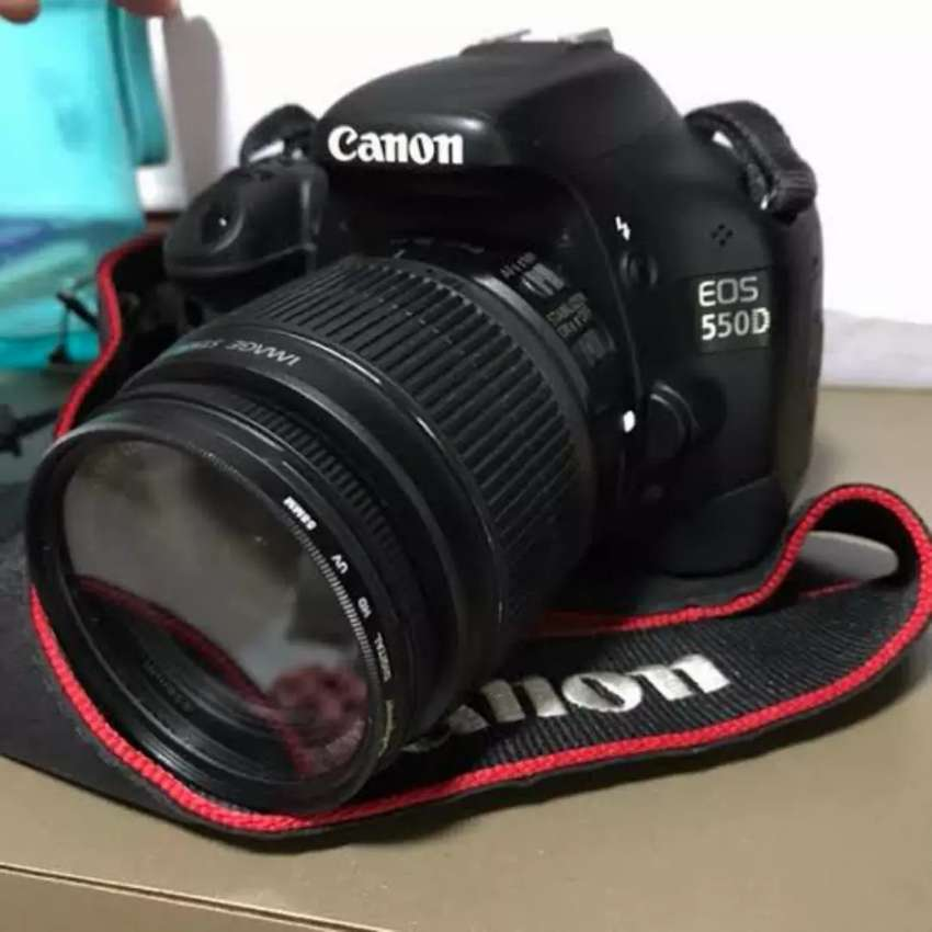 Canon 550d full HD, 18 megapixel with 18-55 lens, battery, charger 0