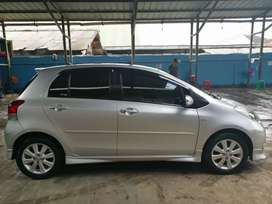 Toyota yaris 2011 S limited