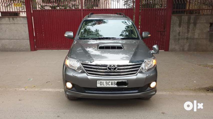 Toyota Fortuner 4x4 Manual Limited Edition, 2011, Diesel 0