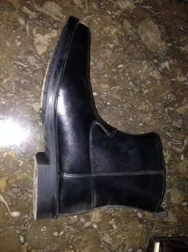 half long leather boot ,black color