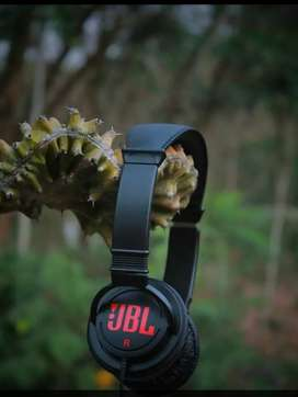 Jbl original headphone just at 650  rs only