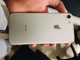iPhone 7 32GB fresh - 10/10- PTA approved
