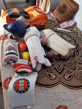 cricket kit with four pads