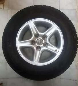 16 Inches Alloy Rims with Pirelli Tyres in Excellent Condition