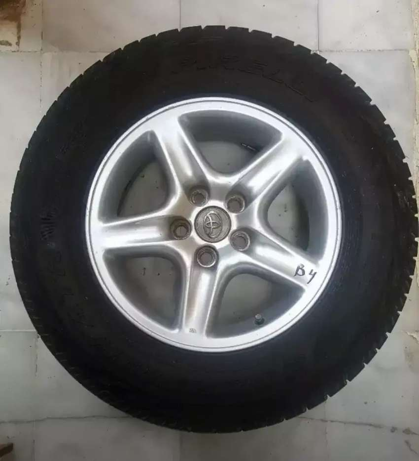 16 Inches Alloy Rims with Pirelli Tyres in Excellent Condition 0