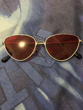 Kacamata Cat Eyes Merah