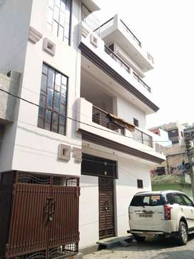 Two side open 70 sq yard residential house/villa only in 40 lac !!