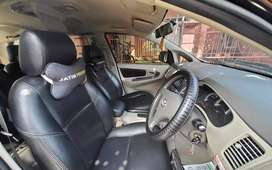 Toyota Kijang Innova 2012 pemakaian