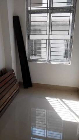 3bhk flat at Chndmari,,suitble for family. Wlking dstnce frm main Road