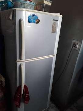 Samung Refrigerator 240 Litre, 2008 Model