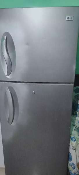 Lg refrigerator double door 360 litres good condition