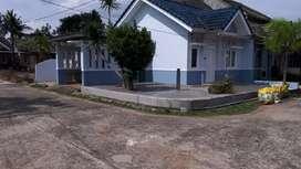 Disewakan Rumah Sukarami lokasi sangat strategis.