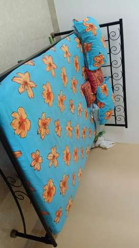 Bed medium size