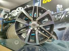 "18"" Toyota Fortuner E4 Diamond Cut OEM Alloys set of 4"