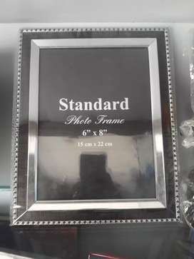 photo frames .at reasonable prices .