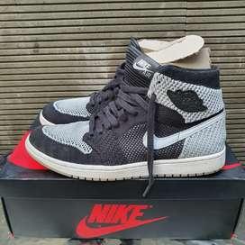 Nike Air Jordan High OG 1 Flyknit Shadow sz 10.5/ 44.5