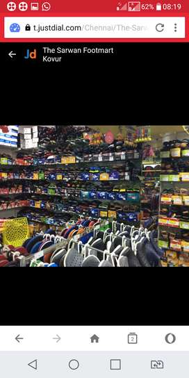 Foot mart and bags. Show room.5 years well running.open display.