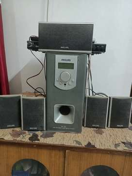 Philips home theatre with 5 speakers