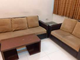 Luxurious 2bhk fullyfurnish flat available for rent at ambawadi