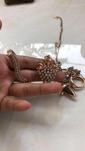 Terima jual perhiasan emas dan berlian tanpa surat