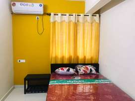 A/C WELL FURNISHED ROOM FOR MONTHLY RENT