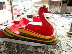 sepeda air bebek mini,wahana air bebek kecil,jual perahu air,perahu