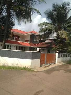 9 cent 2700 sqft 4 bhk posh house at aluva near rajagiri hospital